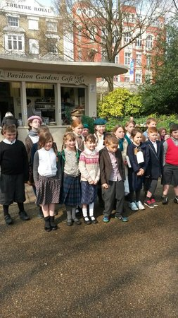 Pavilion Gardens Cafe: School children dressed as evacuees