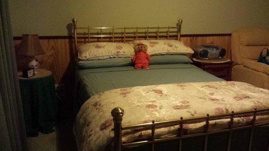 Jervis Bay Retreat: Post Office cottage bedroom