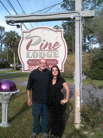 Nature Coast Inn: Sergio and Josi