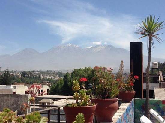 Bothy Hostel Arequipa: Breakfast with a view!