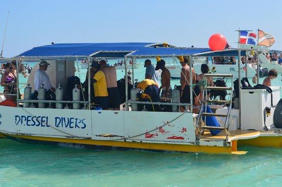 Dressel Divers : Barco do Mergulho