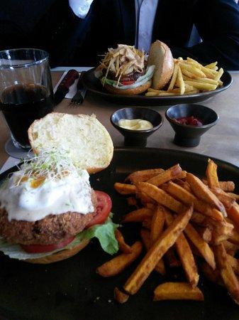 Foto de papacho 39 s lima hamburguesa francesa o algo asi for Comida francesa en lima