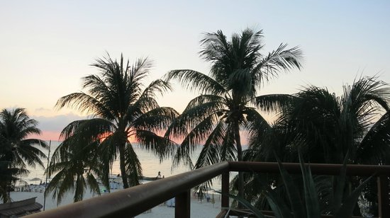 Ixchel Beach Hotel: Sunset from our balcony - not so much