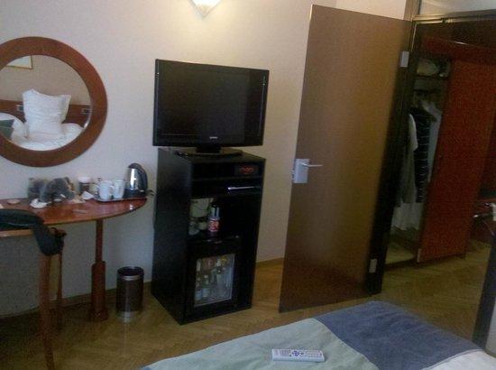 Best Western Premier Hotel Slon: room right side