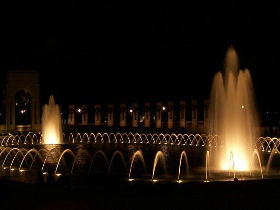 National World War II Memorial: WWII Memorial at Night