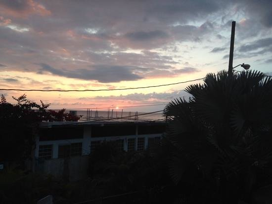 Beachside Villas Rincon: sunset from upper deck