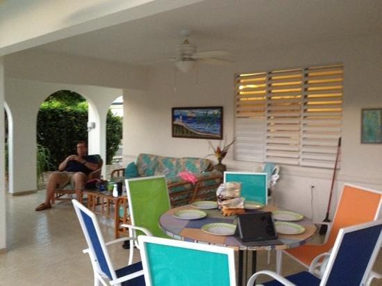 Beachside Villas Rincon: wonderful outdoor area
