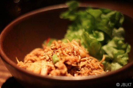 Renaissance Phuket Resort & Spa: Hotel dinner at Takieng : banana blossom salad with shrimp