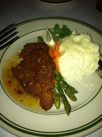 Jake's Famous Crawfish: Catfish with mashed potatoes and veggies