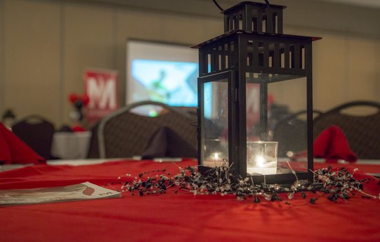 Arrowwood Resort & Conference Center: Centerpieces provided by Arrowwood.