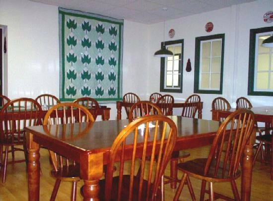 Country River Inn: Dining room