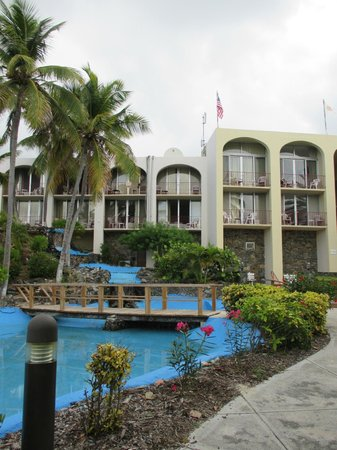Hotel on the Cay: Hotel & Grounds