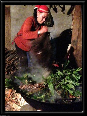 Ms. May Kieu's Homestay: Preparing the Herbal Bath