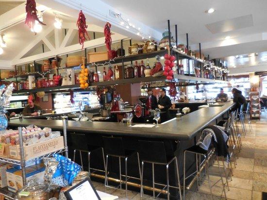 Mercato: The bar
