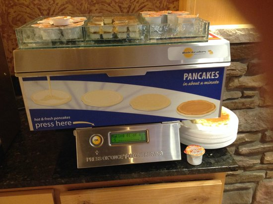 Holiday Inn Express Hotel & Suites Brainerd-Baxter : Pancakes for Breakfast!