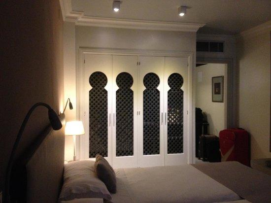 Vincci Albayzín : Guarda Roupa do quarto