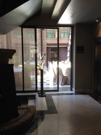 Vincci Albayzín : Área de um dos restaurantes do hotel