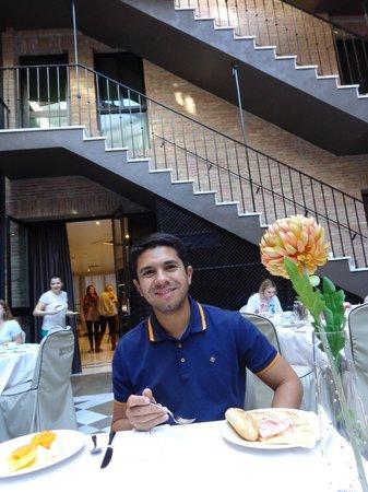 Vincci Albayzín : Eu tomando um café