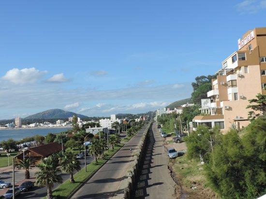 San Remo Terrazas Hotel: Vista lateral do hotel através do teleférico