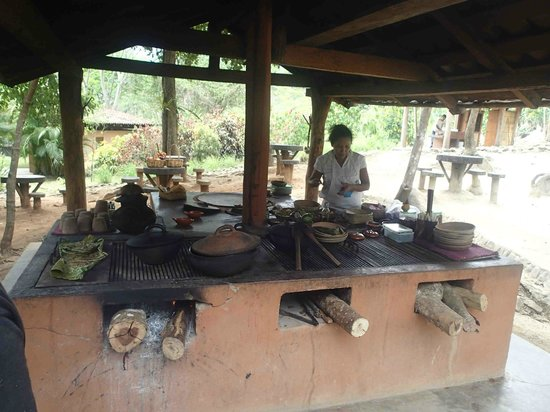 Hagia Sofia : cooking over wood stove