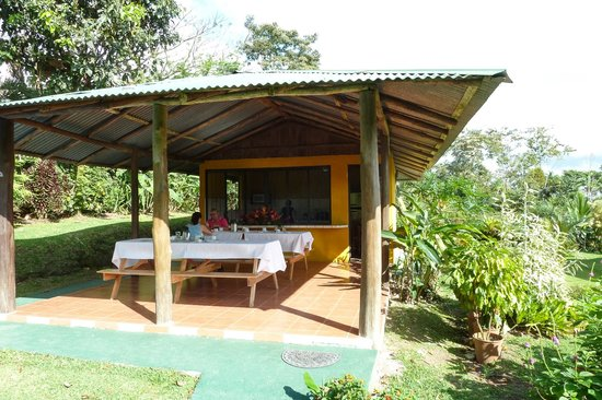 Hotel Brisas Arenal: where breakfast is served
