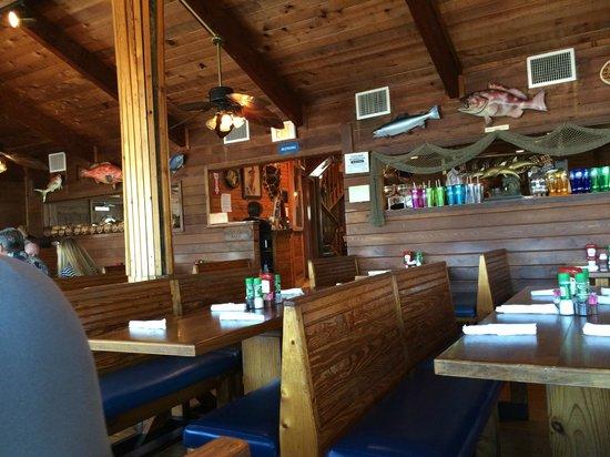 Friendly Fisherman Restaurant : inside
