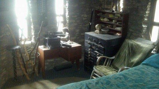 Loveland Castle: Castle-builders bedroom
