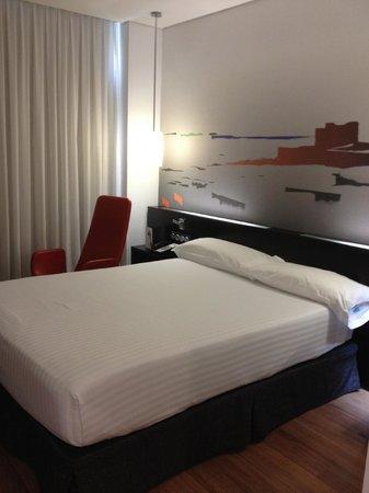 Axor Feria Hotel: Cama muito boa