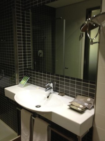 Axor Feria Hotel: Banheiro