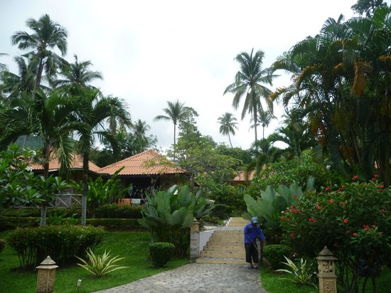 Seabreeze Hotel Kohchang: bungalows in the garden