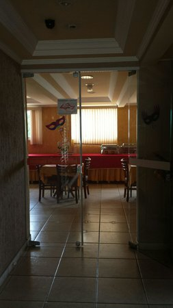 Robusti Plazza Hotel