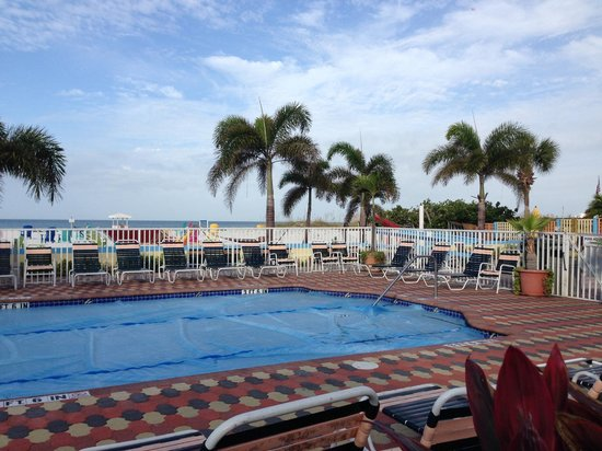Plaza Beach Hotel - Beachfront Resort: Pool and Beach
