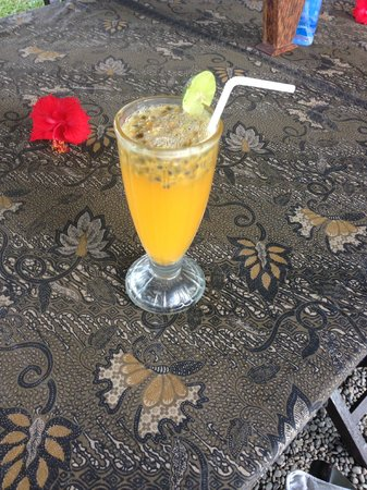 Sharing Bali: Fresh passionfruit juice, yum