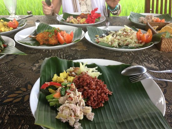 Sharing Bali: A typical lunch/dinner