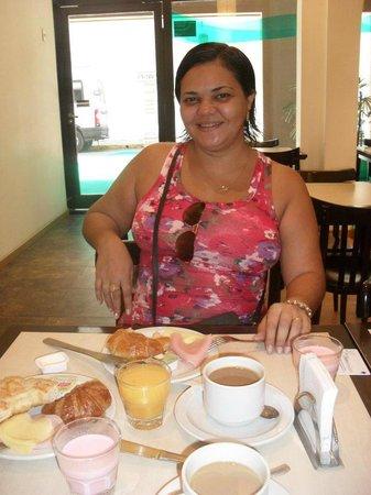 Hotel Uthgra de las Luces: café da manhã