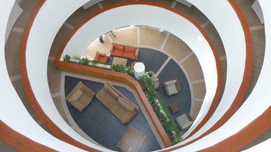 Decameron Aquarium : Escalera