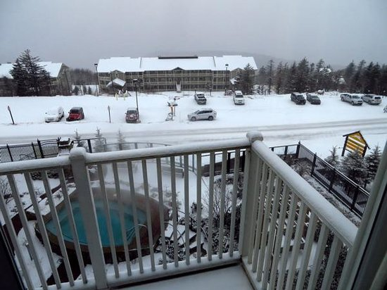 view from balcony hot tub picture of seneca condos snowshoe tripadvisor. Black Bedroom Furniture Sets. Home Design Ideas