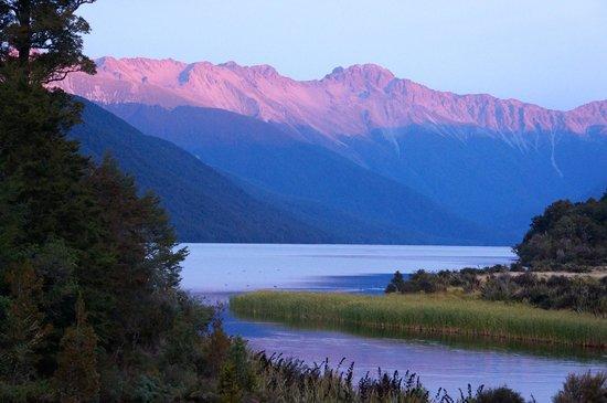 Lake Rotoroa Lodge : Sunset over Lake Rotoroa