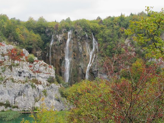 Plitvice Lakes National Park : waterfall