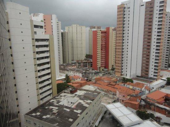 Comfort Hotel Fortaleza: Vista do Apartamento.