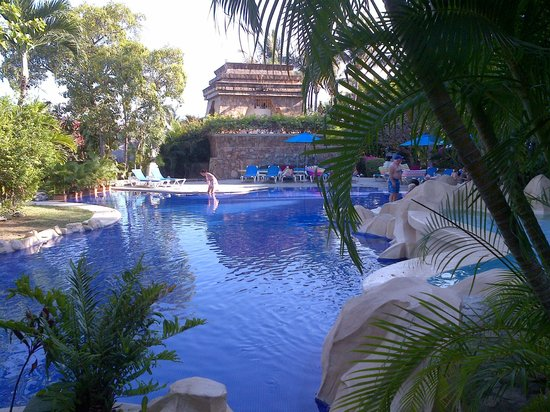 Barceló Karmina: one of the pools
