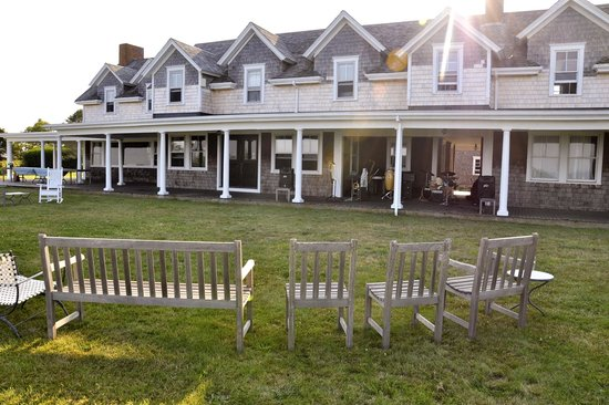 Avalon, The Inn on Cuttyhunk Island: setting up the band on the lawn