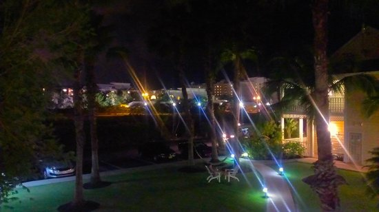 Sunshine Suites Resort: night view