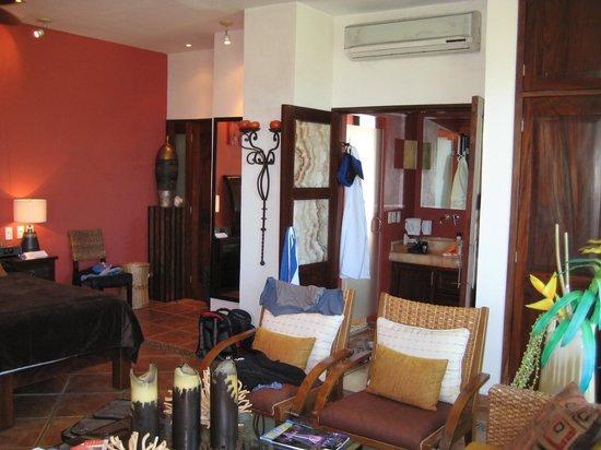 Casa Cupula: The bathroom area