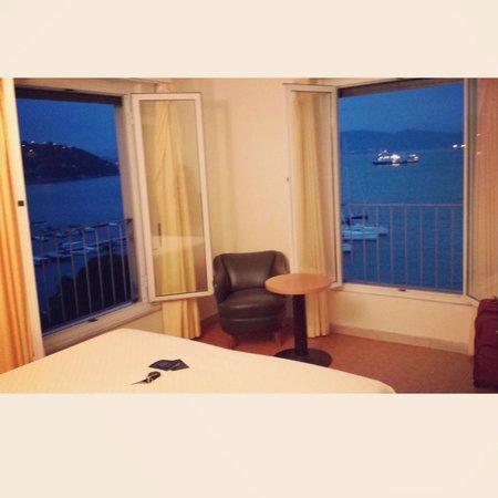 Hotel Belvedere : Corner unit, room 23
