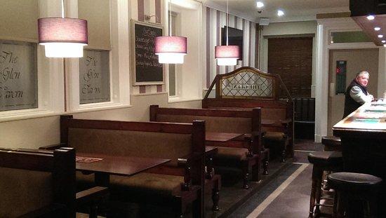The Glen Tavern : lounge