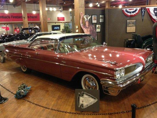 Pontiac-Oakland Automobile Museum: Bonneville