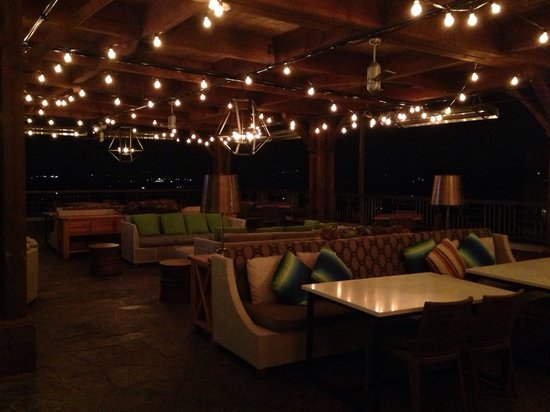The Omni Grove Park Inn: Patio at Edison