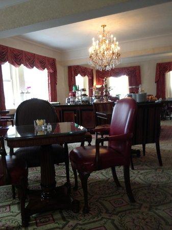Waldorf Astoria New York: Astoria Lounge (19th Floor)
