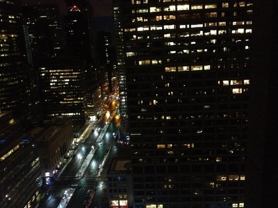 Waldorf Astoria New York: View at Night from Parlor